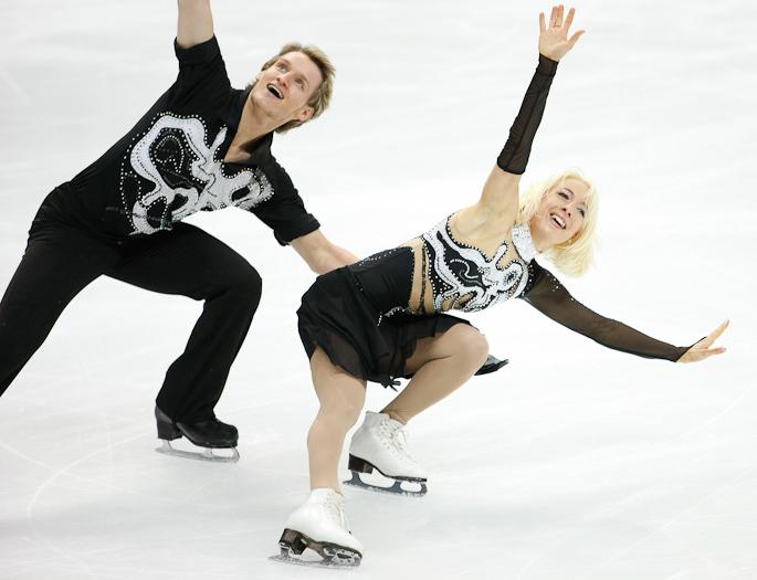 Eislaufkostüme für österreichisches Meisterpaar im Eistanzen, Foto: © Eisenbauer